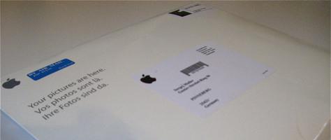 Briefumschlag mit bei Apple in Auftrag gegebenen Fotos